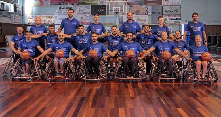 Το τεχνικό τιμ και το ρόστερ παρουσία και Ολυμπιονικών της πρώτης Θρακιώτικης ομάδας μπάσκετ με αμαξίδιο!