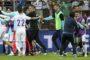 Photos: Εικόνες ντροπής στην Ζένιτσα, Βόσνιοι επιτέθηκαν σε παίκτες και φιλάθλους της Εθνικής μας!