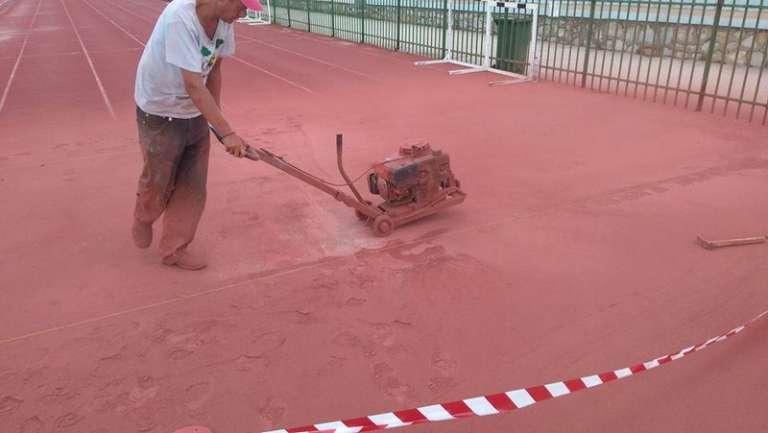 Ξεκίνησαν οι εργασίες στο ταρτάν του σταδίου «Φώτης Κοσμάς»