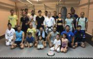 Η ξεχωριστή έκπληξη των καρατέκα του Shinkyokushinkai στον δάσκαλο τους!(+pic)