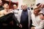 Αγκαλιά με τον Κομοτηναίο αρχηγό της ΑΕΚ Πέτρο Μάνταλο τρελάθηκε και...μοίρασε τρελό πριμ ο Μελισσανίδης
