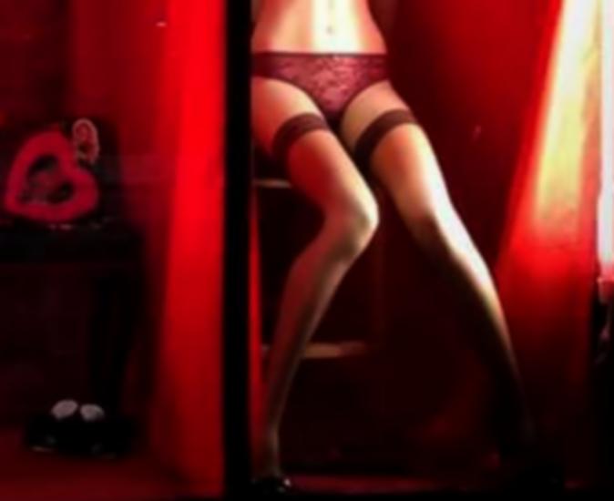 Σεξουαλικό βοήθημα σε κατάστημα εσωρούχων προκάλεσε την επέμβαση της αστυνομίας...