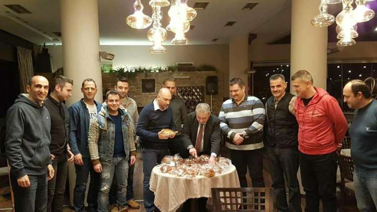 Με τυχερό της βραδιάς τον Δήμαρχο Ξάνθης έκοψε την πίτα του ο Π.Α.Σ. Πυροσβεστών Ν. Ξάνθης!(+pics)