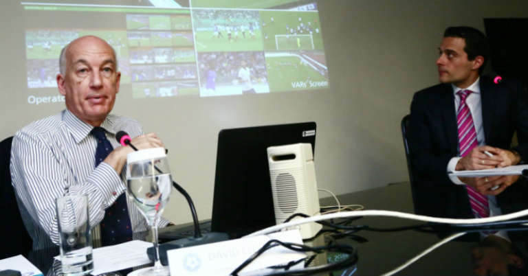 Μάθημα ενόψει της εισόδου του VAR στους διαιτητές, και παράγοντες της Super League