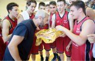 Η τούρτα έκπληξη στον εορτάζων Γιάννη Θερμό! Οι δηλώσεις του κοουτς του Αρίωνα Ξάνθης για την πέμπτη θέση στην Ελλάδα!!!