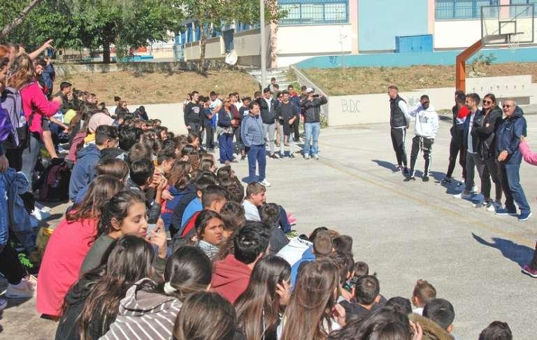 Μοίρασαν χαμόγελα σε μαθητές τριών σχολείων οι παίκτες της Ξάνθης για την Ευρωπαϊκή Ημέρα Σχολικού Αθλητισμού(+pics)