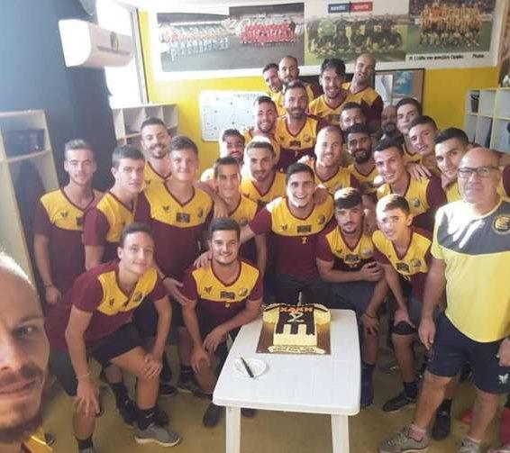Γενέθλια στο γήπεδο με τούρτα έκπληξη για τον Χακή Τζαμπάζ του Ορφέα Ξάνθης!(+pics)