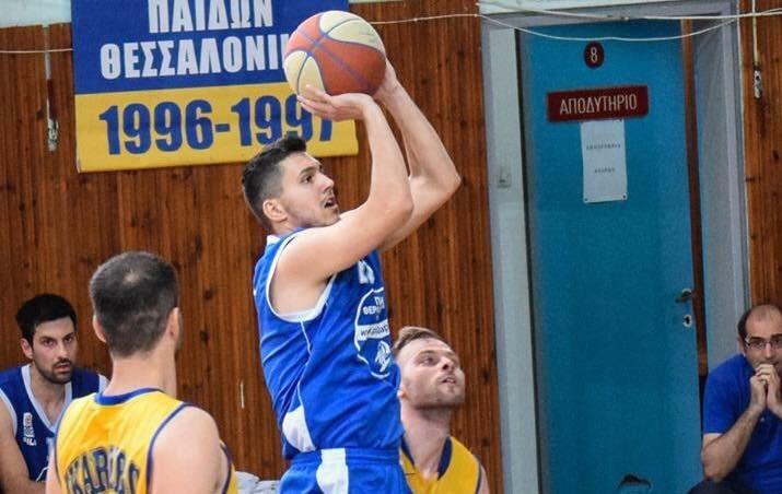 Προβάρει τη φανέλα ομάδας της Νάξου ο Σταύρος Χονδρόπουλος!