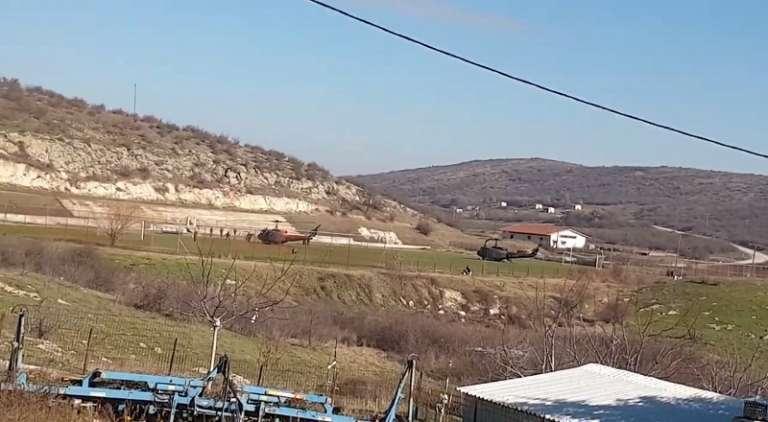 Στο γήπεδο του Πέπλου προσγειώθηκαν τα ελικόπτερα με τους Υπουργό Άμυνας & Αρχηγό ΓΕΣ! (video)