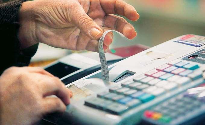 Από τη Δευτέρα θα ισχύσει η μείωση στον ΦΠΑ