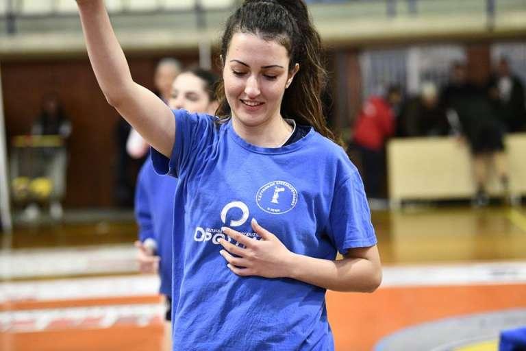 Στους Πρωταθλητές Πεύκων η αρχηγός της Νίκης Αλεξ/πολης Εύα Νικολαΐδου!