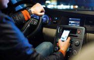 Μάστιγα τα κινητά, για τα τροχαία ατυχήματα!