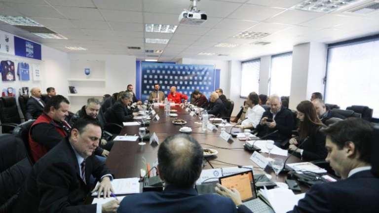 Οι εκδοχές που θα πέσουν στο... τραπέζι της τηλεδιάσκεψης της Super League!