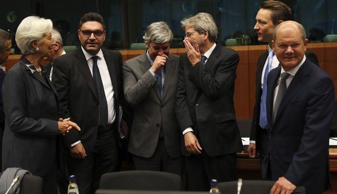 Ενεργοποίηση του δημοσιονομικού μπαζούκα της ΕΕ!