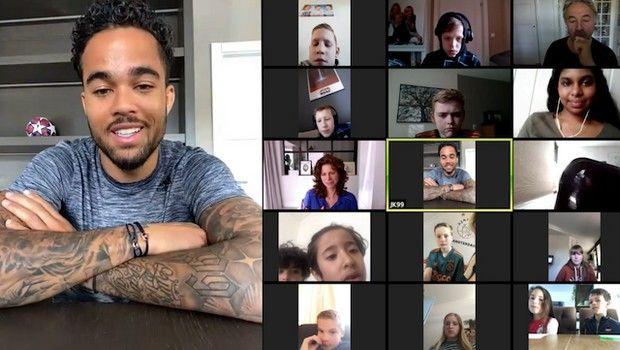 Ο Κλάιφερτ συνομιλεί μέσω video-κλήσης με άρρωστα παιδιά!