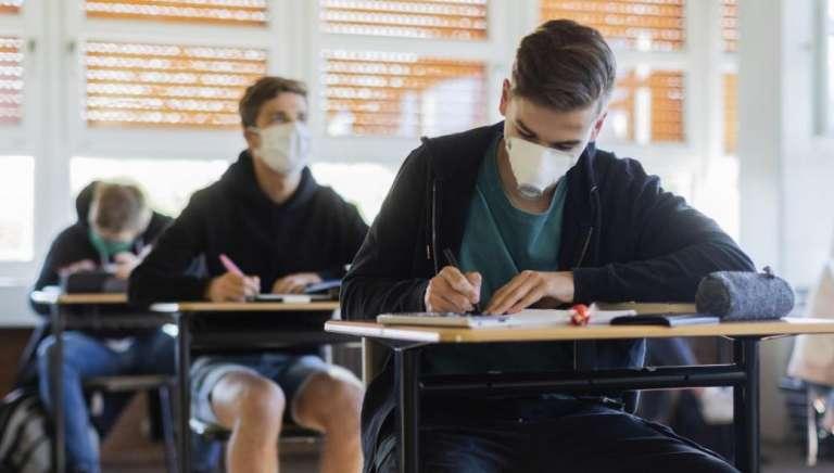 Παράταση στο σχολικό έτος - «Παγώνουν» Τράπεζα Θεμάτων και προαγωγικές εξετάσεις