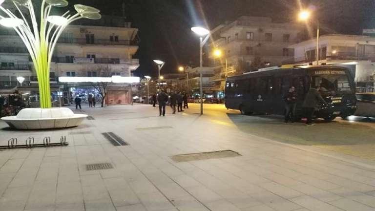 Αστυνομικός δέχθηκε μαχαιριά στην πλατεία της Ορεστιάδας!