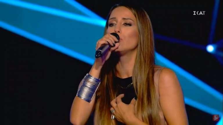 Video: Μάγεψε τους κριτές του The Voice η Ίρις Μουτούς από την Ξάνθη!