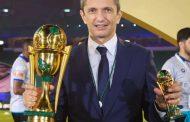 Νέα κούπα για Λουτσέσκου και Τσονάκα που πανηγύρισαν το τρέμπλ με την κατάκτηση του King's Cup!