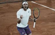 Διαστημικός Τσιτσιπάς! Πέταξε έξω τον Μεντβέντεφ και περιμένει τον Ζβέρεφ στα Ημιτελικά του Roland Garros!